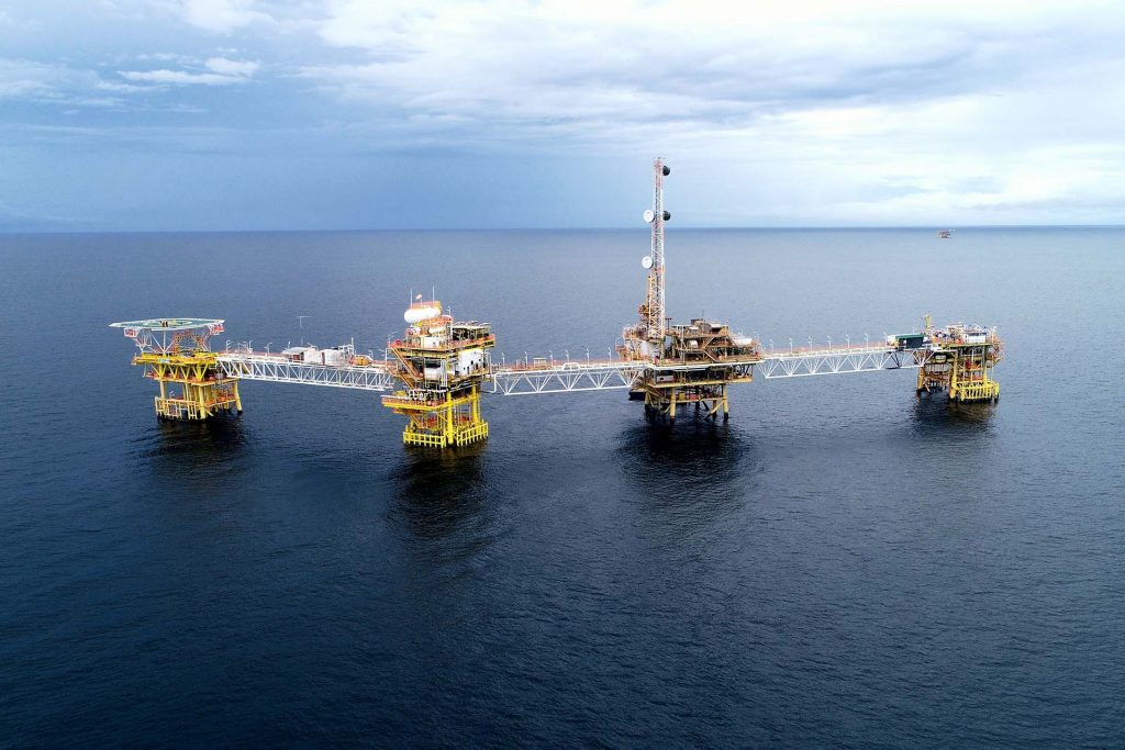 uav oil and gas inspection offshore platform